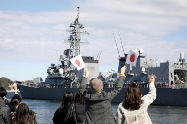یک کشتی جنگی ژاپنی راهی خاورمیانه شد