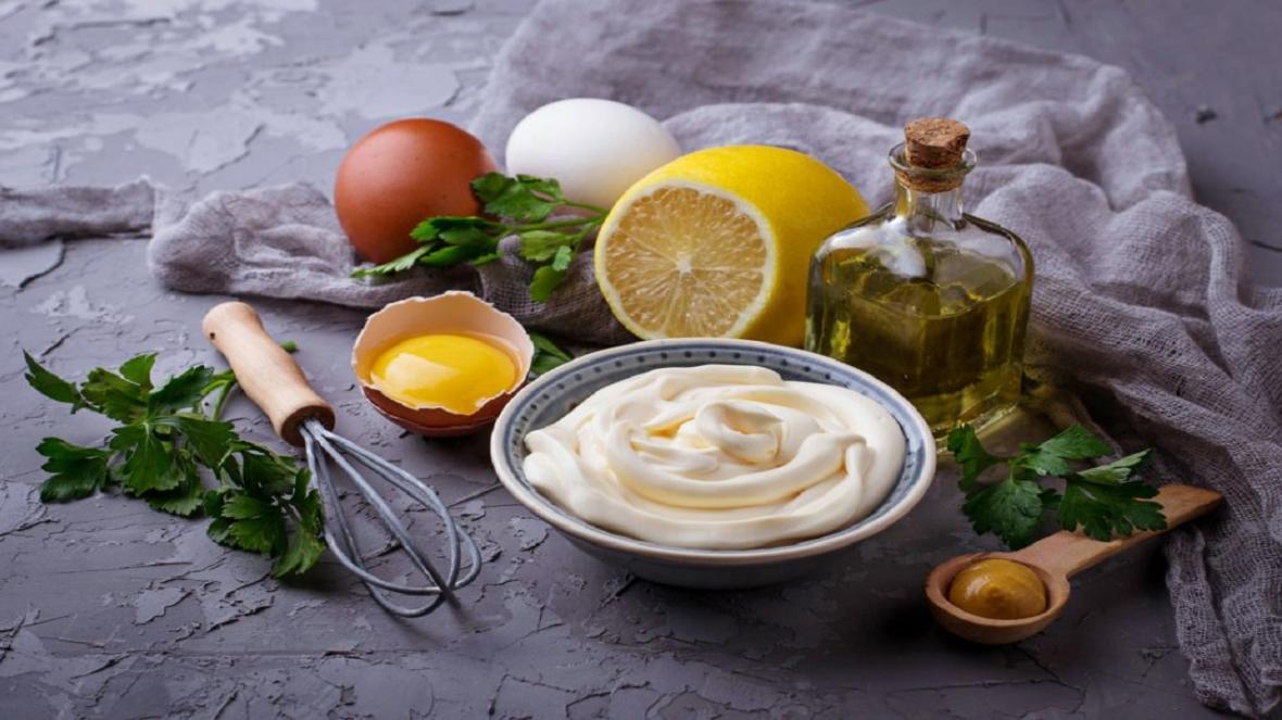 طرز تهیه و ترفند های سس مایونز با تخم مرغ و بدون تخم مرغ با طعم کارخانه ای