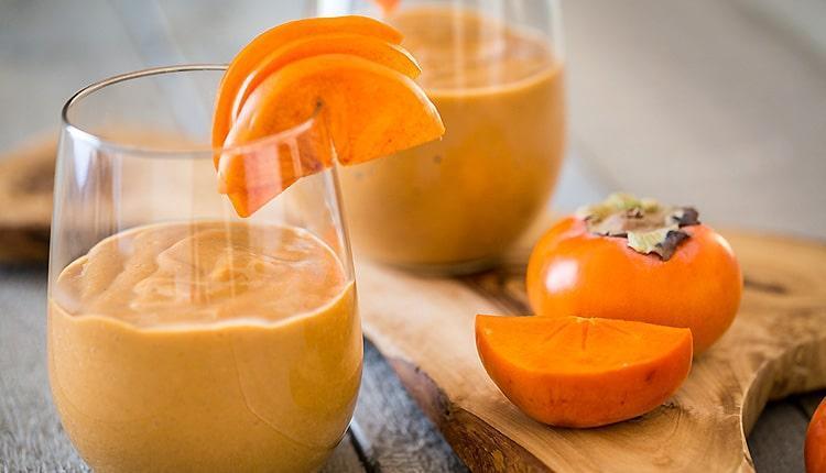 طرز تهیه اسموتی خرمالو با موز، هویج و با شیر